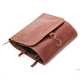 Baoo Baoo | Toiletry Bag Hanging Brandy